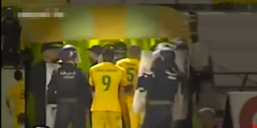 Moment_Cameroonian_Player_Albert_Ebossé_Dies_After_Being_Hit_By_Object_From_Crowd_-_YouTube