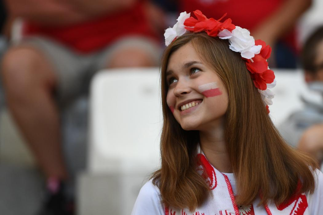 A Poland supporter looks on prior to the Euro 2016 quarter-final football match between Poland and Portugal at the Stade Velodrome in Marseille on June 30, 2016. / AFP PHOTO / ANNE-CHRISTINE POUJOULAT