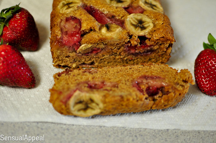 Strawberry Banana Bread (vegan)