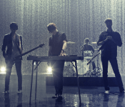 """Nell Performs Spectacularly in """"Ocean of Light"""" MV"""