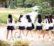 """G-Friend Steps Into the New World with """"Glass Bead"""""""
