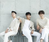 """SG Wannabe and Love in """"Love You"""" and """"Good Memory"""""""