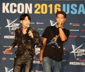 For Your Viewing Pleasure: KCON LA 2016 Red Carpet