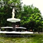 Patung di taman KB