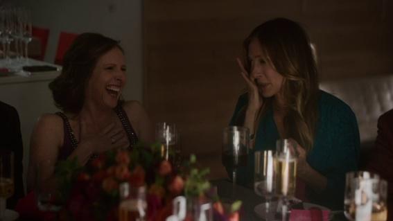 Em cena: à esquerda, a atriz Molly Shannon, que faz uma boa participação na série.