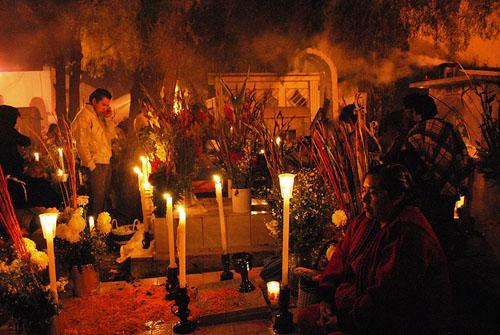 Cementerio en el Día de Muertos