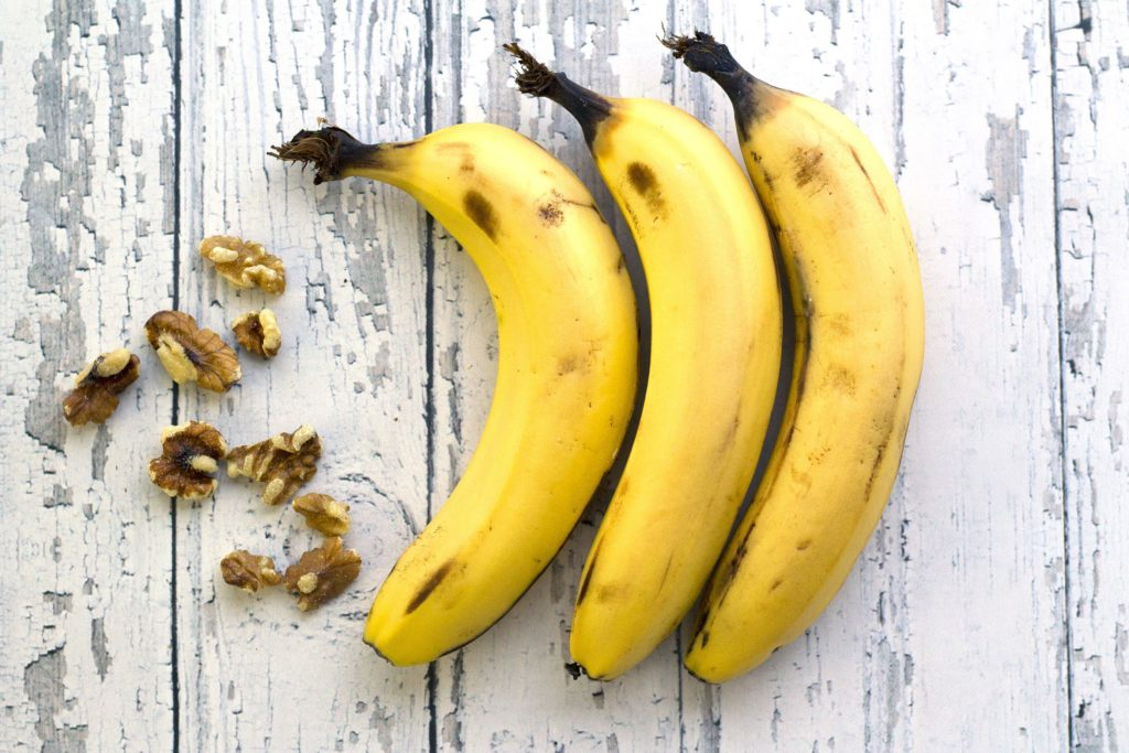bananas with walnuts