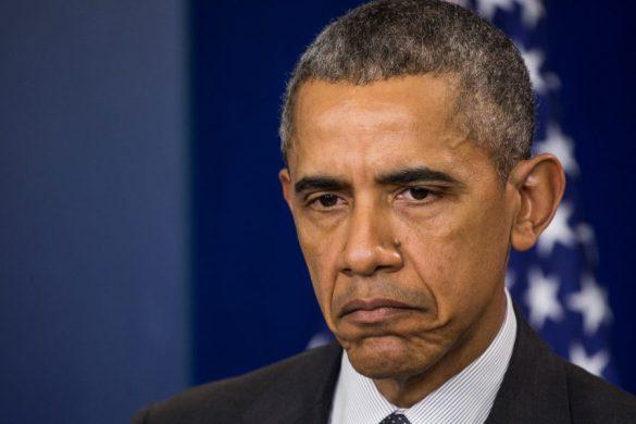ABD Başkanı Barack Obama, Beyaz Saray'daki günlük basın brifingi öncesinde, geçen hafta açıklanan istihdam rakamlarını ve ABD Hazine Bakanlığının şirketlerin vergi kaçırmasına yönelik yeni tedbirlerini değerlendirdi.   ( Samuel Corum - Anadolu Ajansı )