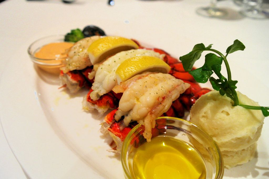lawry's singapore lobster tail