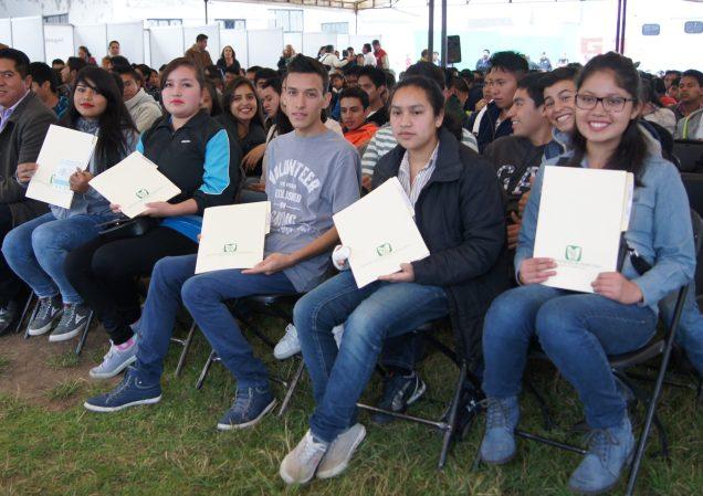 Los estudiantes obtuvieron la cartilla nacional de salud que garantiza su acceso a los servicios del Seguro Social