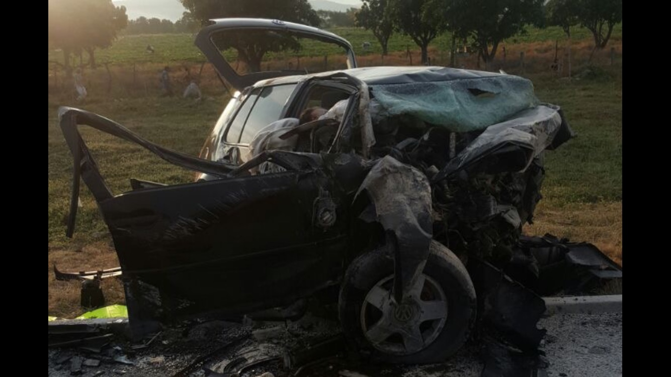 Suman 6 muertos por accidente de la Siglo 21; falleció policía herido