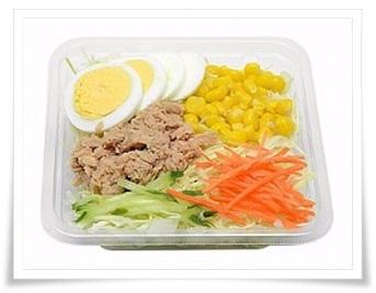 セブンイレブンの惣菜サラダ!人気のおすすめランキングBEST11!ツナ&コーンサラダ