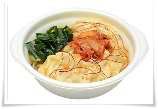 セブンイレブンの鍋の種類!野菜とスープが超うまい!カロリーは?旨辛!キムチ餃子鍋