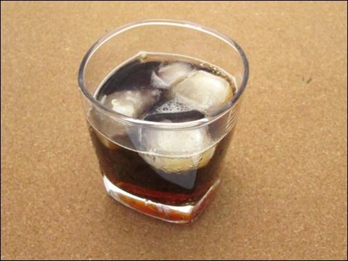 コーラとペプシは同じ会社なの?世界シェアの売上や人気比較も3