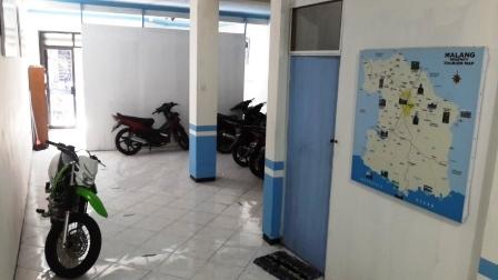 Parkir Motor Kost Harian Malang