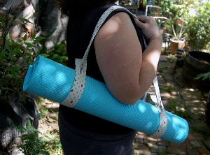 Tutorial Sew A Strap For Your Yoga Mat Sewing