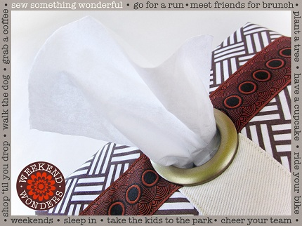 Tutorial: Tissue box cover with a giant grommet opening