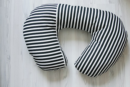 Free pattern: Nursing pillow