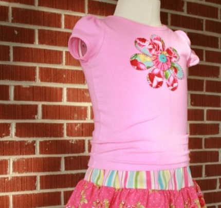 Tutorial: Blanket stitch flower applique t-shirt