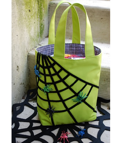 Tutorial: Trick or treat bag with a Velcro spider web