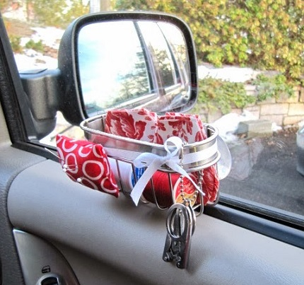 Tutorial: Make a car sewing caddy from a suction cup soap dish