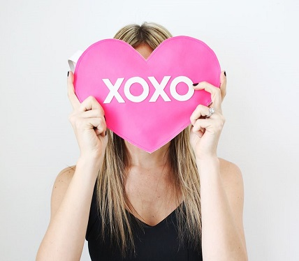 Tutorial: Faux leather XOXO heart clutch