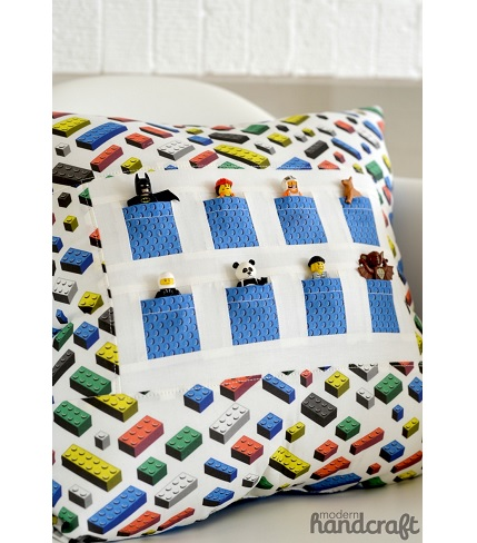 Tutorial: Pocket Pals Pillow that holds minifigures