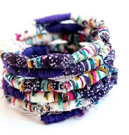 Tutorial: Scrap fabric bead bracelet