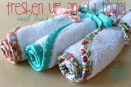 Tutorial: Pretty bias trimmed washcloths from an old towel