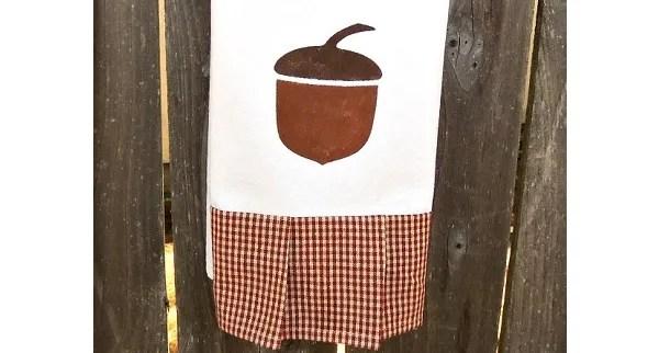 Tutorial: Autumn acorn tea towel