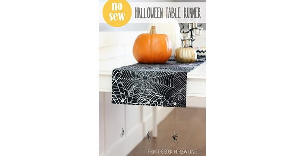 Tutorial: No-sew Halloween spider table runner