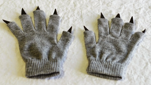 Tutorial: No-sew monster claw gloves