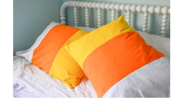 Tutorial: Candy corn color blocked pillowcase