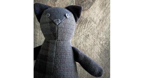 Free pattern: Wool patchwork cat softie