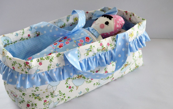 Tutorial: Make a carrycot or Moses basket for a favorite doll or stuffed animal