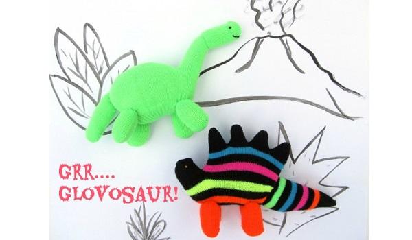 Tutorial: Dinosaur glove softies