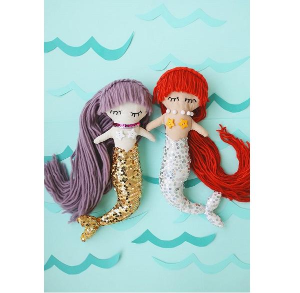 Free pattern: Adorable mermaid softie doll