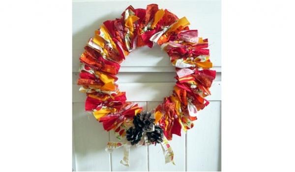 Tutorial: Tie a fabric scrap wreath