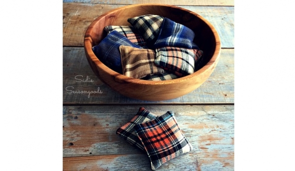 Tutorial: Scrap flannel handwarmers