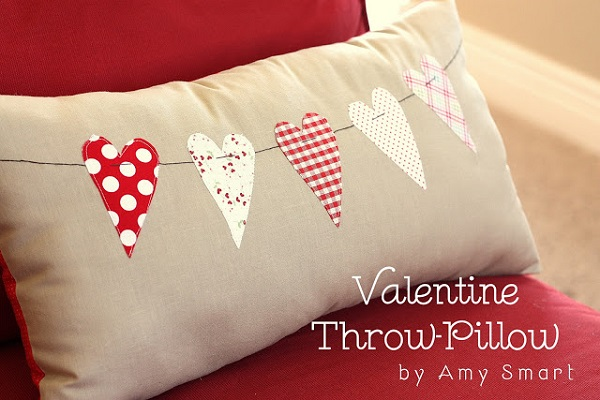 Tutorial: Heart banner pillow