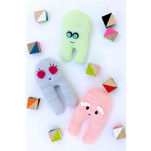 Tutorial: Silly and adorable sock robot softies