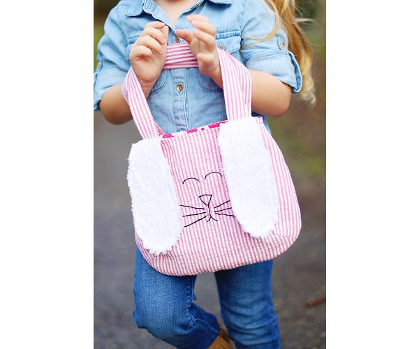 Free pattern: Easter bunny bag with floppy ears and a tail