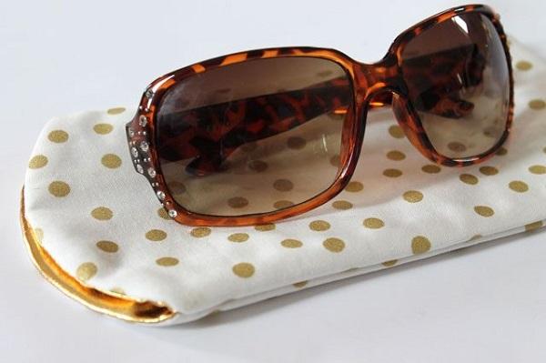 Tutorial: Simple sunglasses case