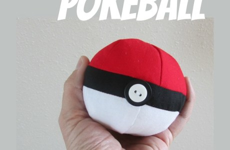 Free pattern: Fabric pokeball