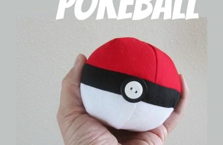 Free pattern: Fabric pokeball