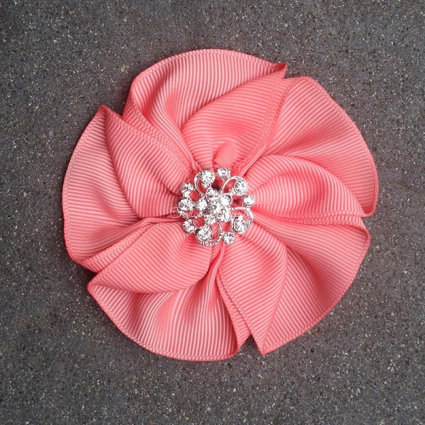 Tutorial: Ribbon flower with folded petals