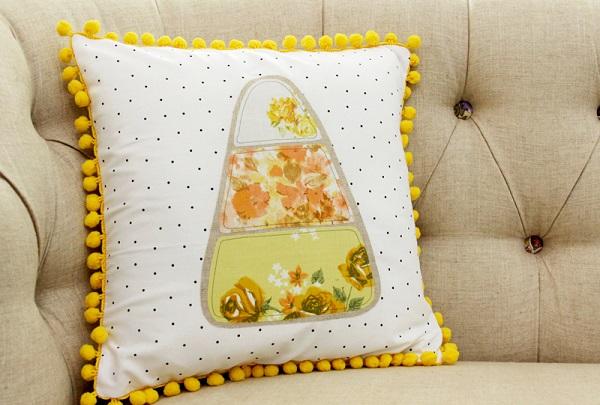 Free pattern: Candy corn applique Halloween pillow