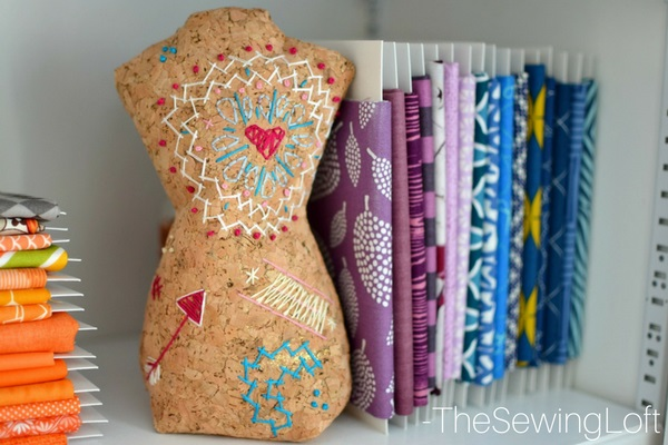 Free pattern: Mini mannequin bookend