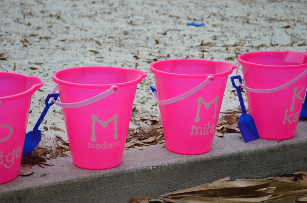 How To Make Personalized Sand Buckets - Sew Woodsy