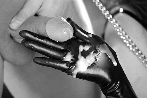 Sexo para parejas  - masturbación con guante